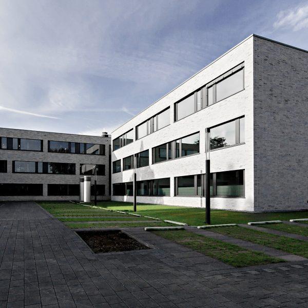 Verwaltungsgebäude Am Lindenhaus - Blick von Nordost