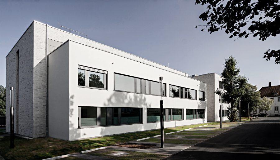 Verwaltungsgebäude Am Lindenhaus - Blick von Nordwest