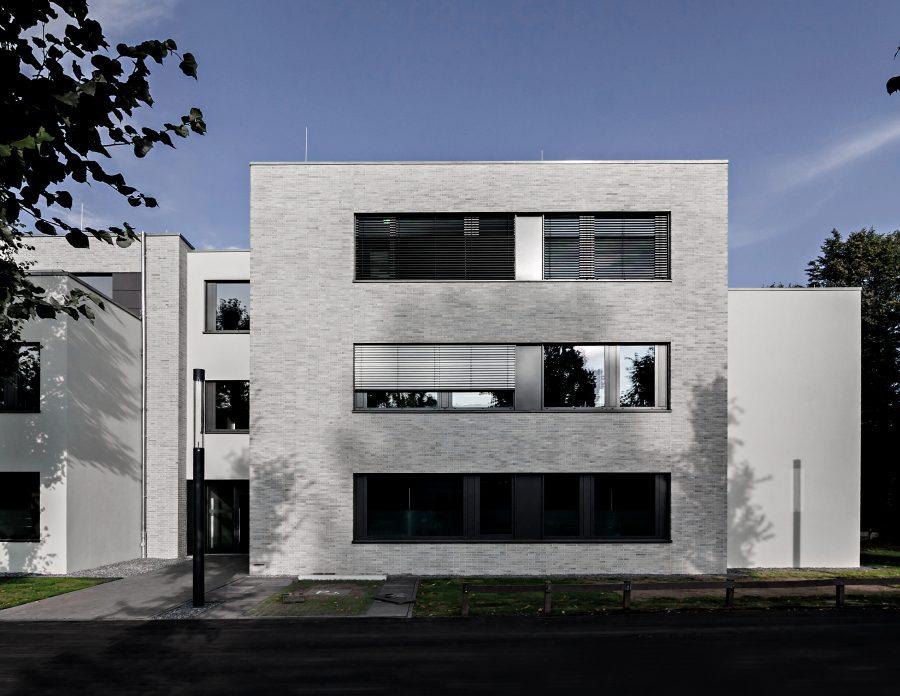 Verwaltungsgebäude Am Lindenhaus - Blick von West